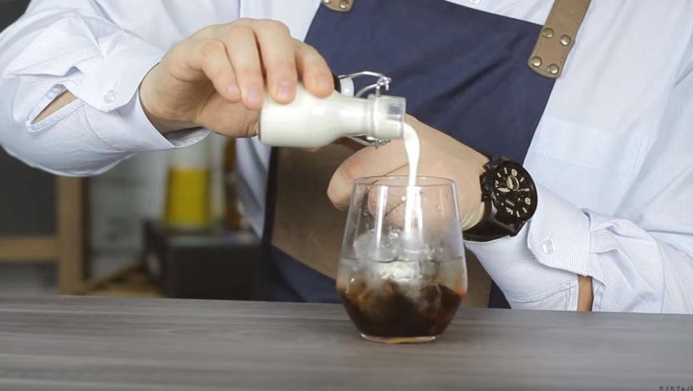 Przepis na drinka White Russian - Biały Rusek