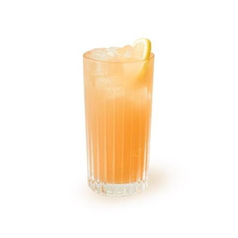 Drink z rumem i rabarbarem