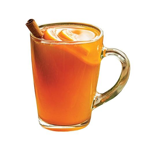 Grzaniec z bimbrem i sokiem jabłkowym.