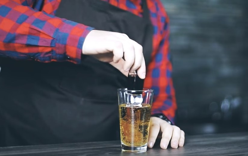 JAGERBOMB - Red Bull z Jagerem!