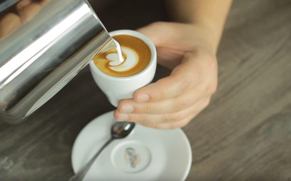 Jak zrobić espresso Macchiato.