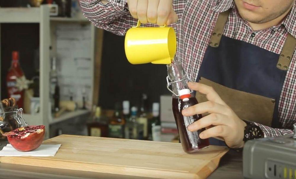 Jak zrobić syrop z owoców granatu. Przepis na grenadynę.