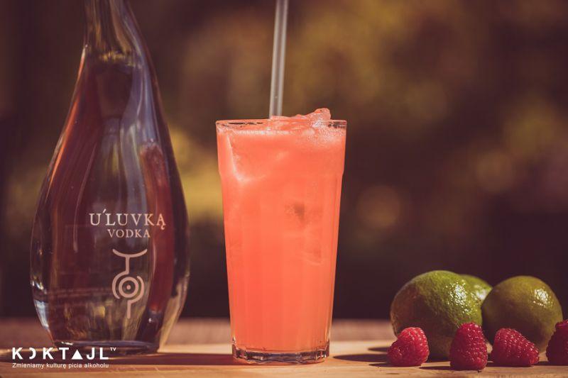 Warsaw Sunrise – drink z malinami, wódką i wermutem