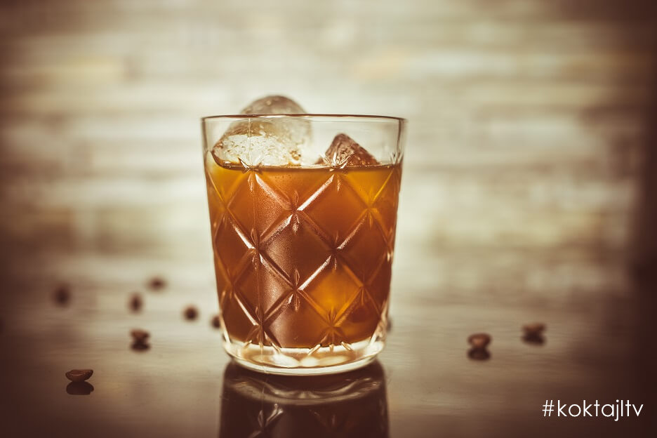 Coffee Old Fashioned - kawowy drink z whisky.