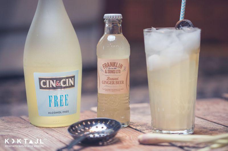 Virgin Ginger Fizz  - bezalkoholowy drink z tonikiem imbirowym i trawą cytrynową.