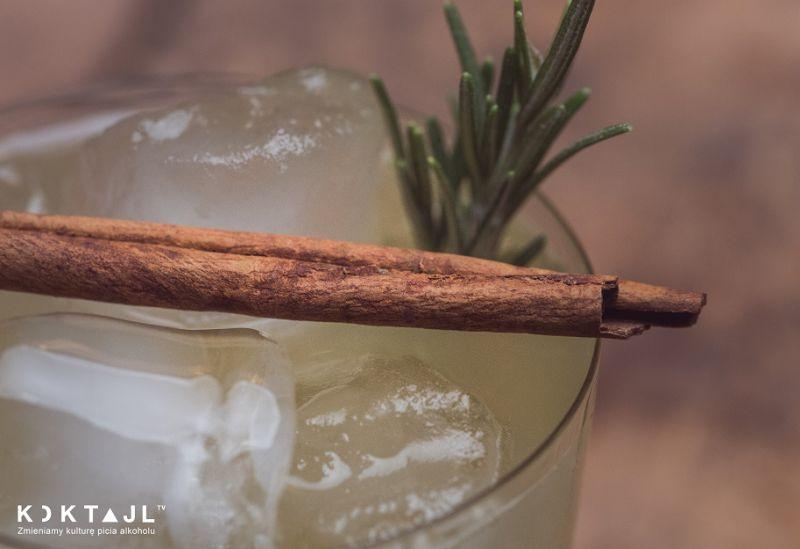 Pineapple Smash – smaczny drink z wódką i anansem