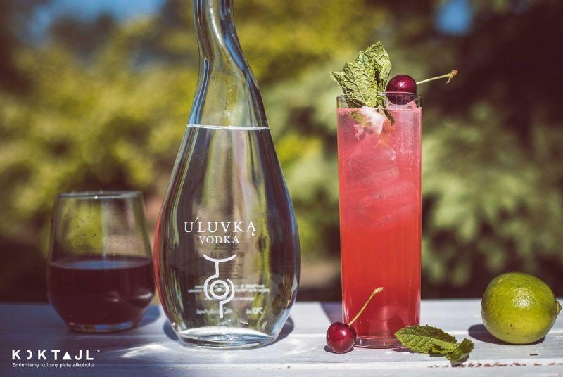 Czereśniowa rozkosz - drink z wódką i czereśniami na lato
