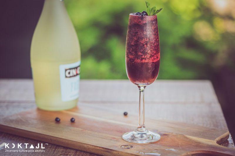 Jagodowe Frozen Bellini bez alkoholu