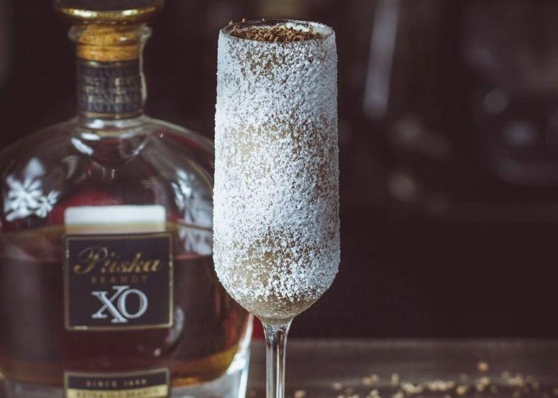 Czekoladowy Pocałunek - drink z brandy i likierem czekoladowym.