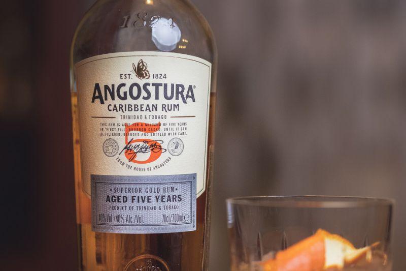 Drink z rumem i Drambuie na zimowe wieczory