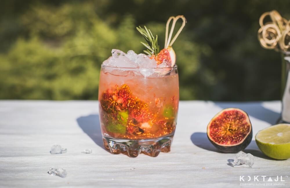 Orzeźwiający drink z wermutem bianco i owocem figi.
