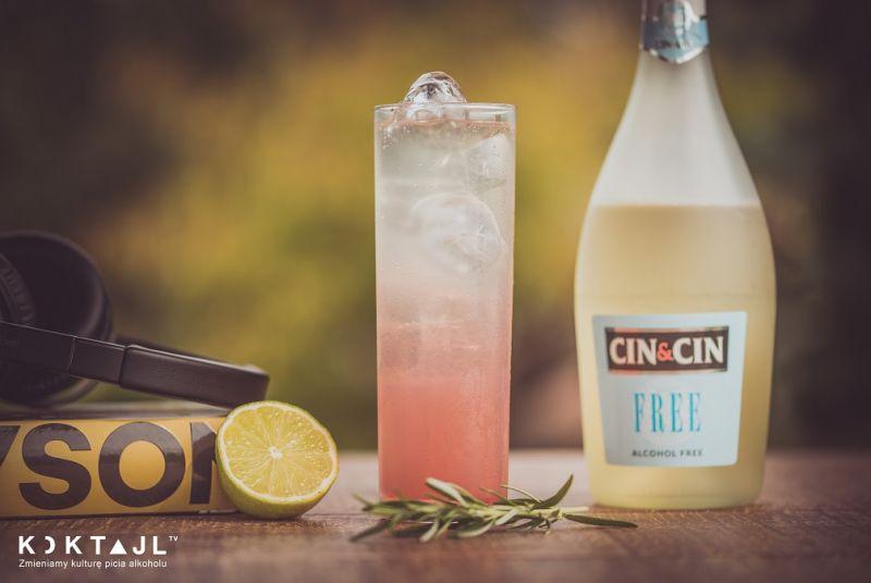 Shirley Temple – bezalkoholowy drink z musującym winem bezalkoholowym