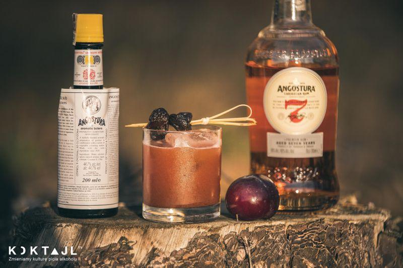 Plum Rum Oldfashioned – drink z ciemnym rumem i śliwkami!
