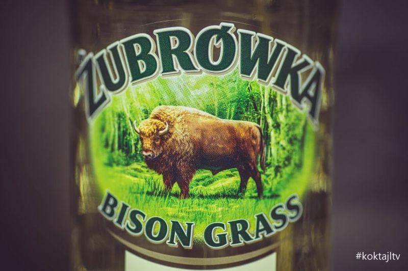 Z czym pić żubrówkę. Historia, produkcja wódki z trawą.