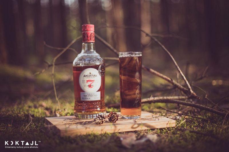 Longue Lizzard - prosty drink z ciemnym rumem i amaretto