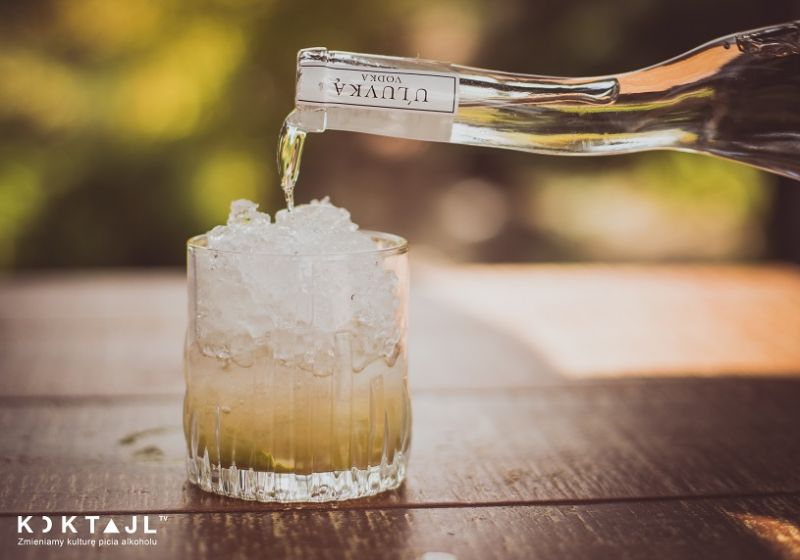 Agrestowa Caipiroska - prosty drink z agrestem i wódką