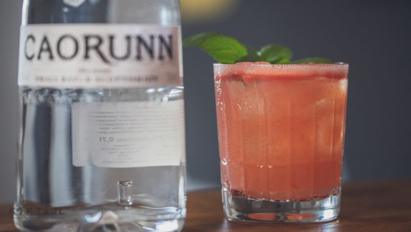 Arbuzowy drink z bazylią. Watermelon Gin Basil Smash.