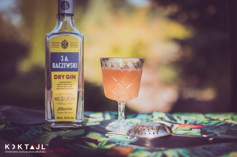 Palm Beach – smaczny drink z ginem i ananasem.