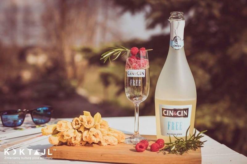 Z czym i jak pić wino bezalkoholowe Cin&Cin Free na 3 sposoby.