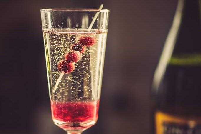 CRANBERRY BELLINI - żurawinowy drink z prosecco