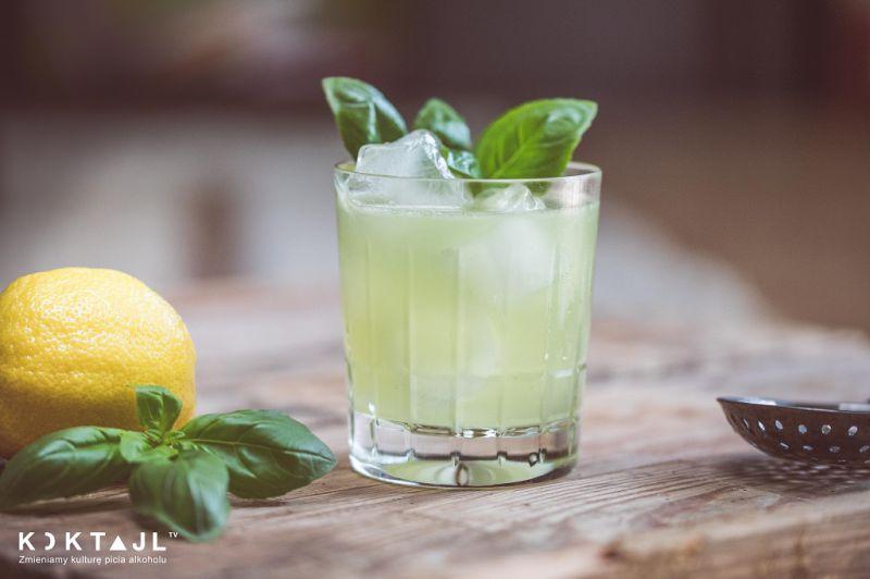 Gin Basil Smash - bazyliowy drink z ginem.