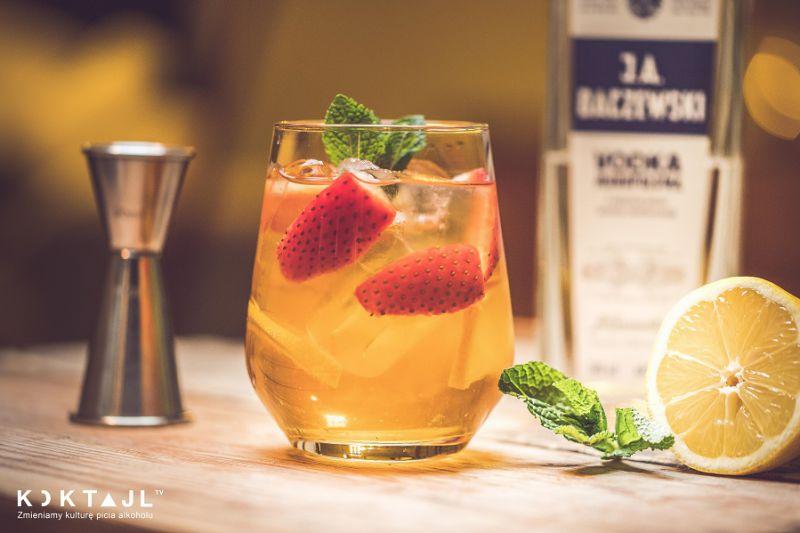 Herbata mrożona z wódką i owocami!