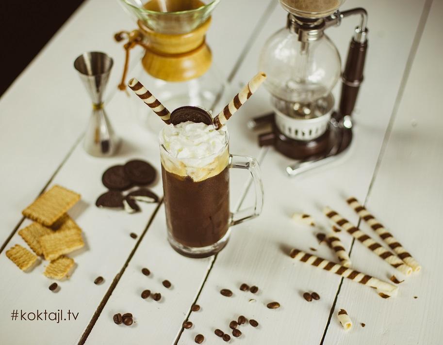 Przepis na kawę mrożoną z Oreo.