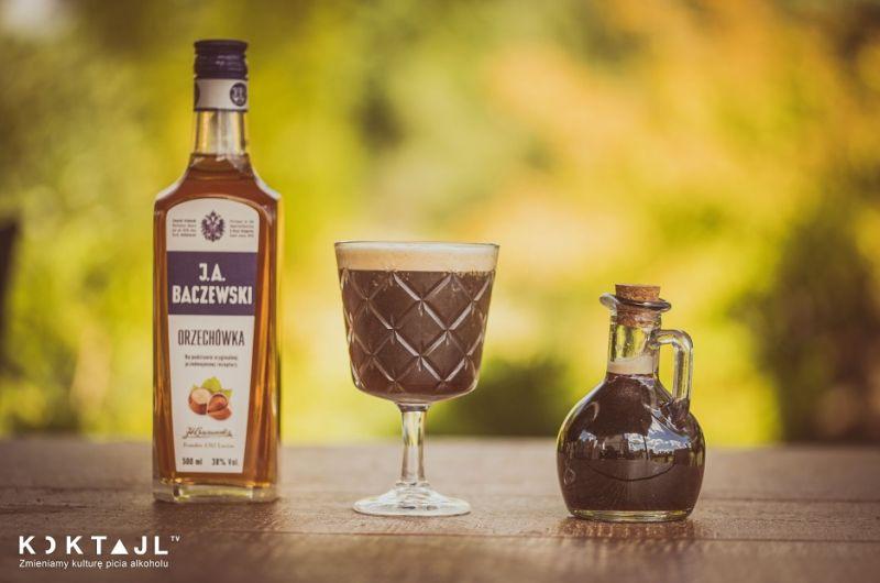 Z czym pić i jak łączyć likier orzechowy
