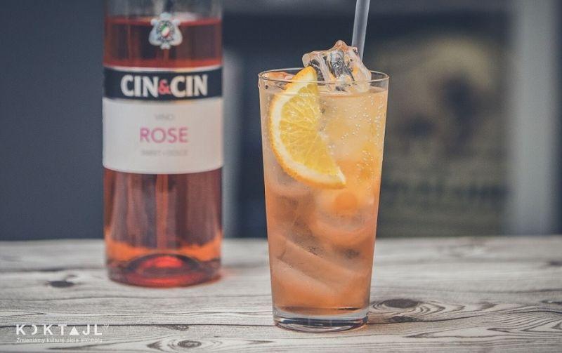 Półwytrawny drink z różowym winem Cin&Cin