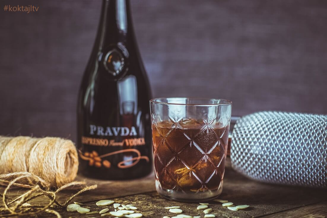 Bad Father - drink z kawową wódką i amaretto.
