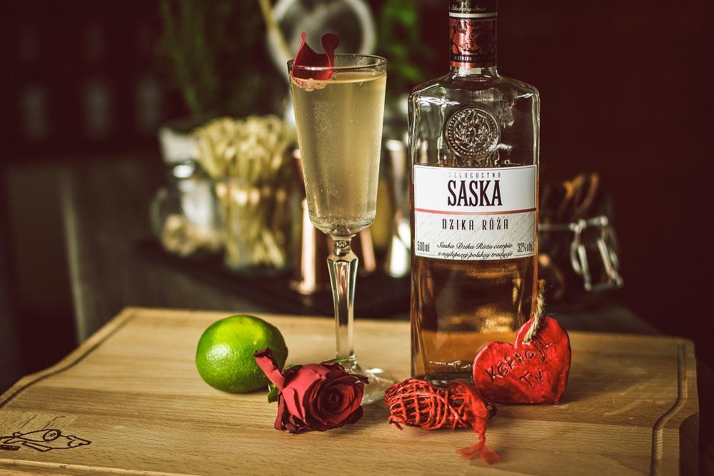 Wódka Saska Dzika Róża - z czym i jak pić.