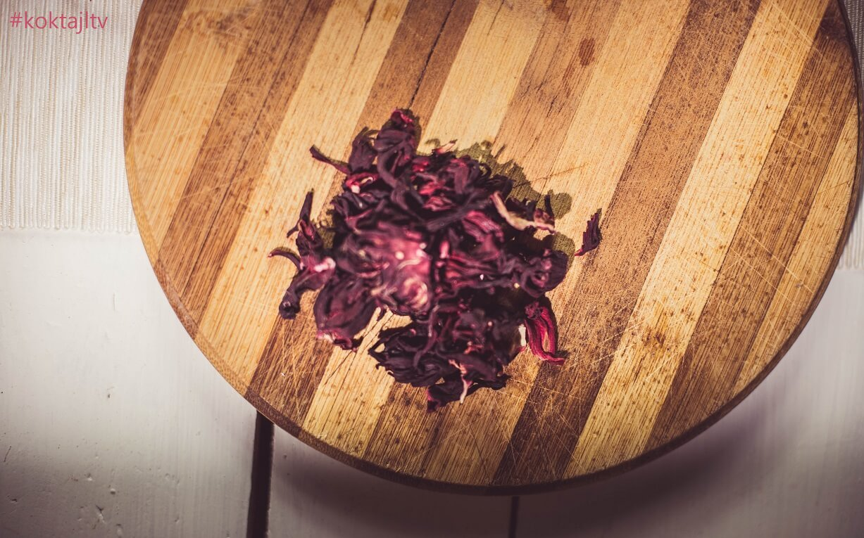 Przepis na syrop z hibiskusa do lemoniad i drinków.