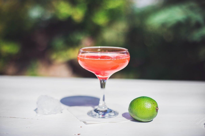 Truskawkowe Daiquiri - przepis na letniego drinka z truskawkami.