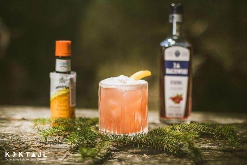 Wiśniówka Sour - klasyczny drink na wiśniówce