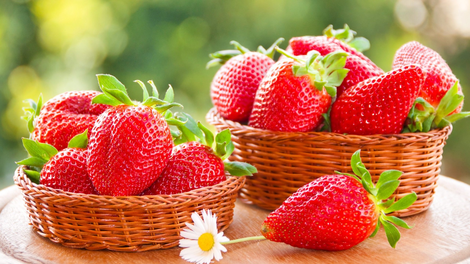 Właściwości funkcjonalne truskawek. Dlaczego warto jeść truskawki.